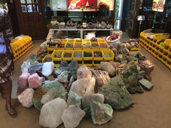 タイの宝石 原石