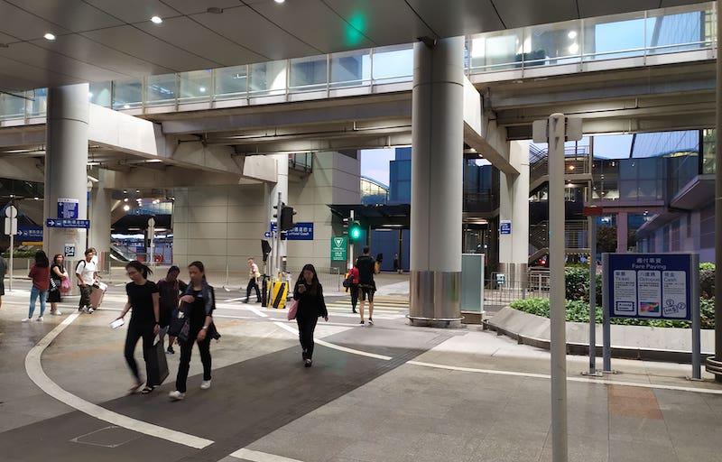 香港空港バス乗り場